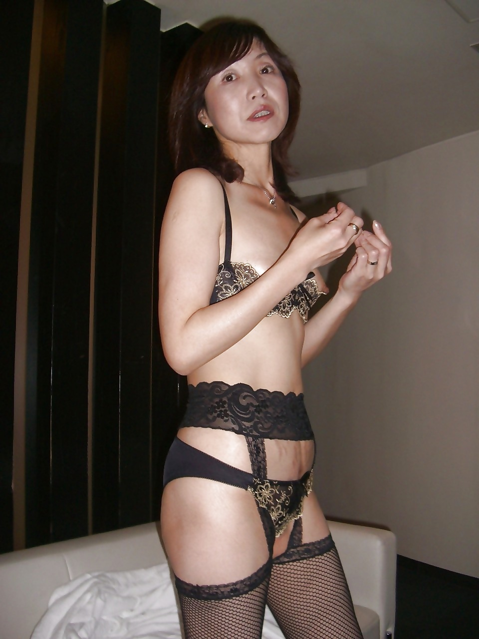 hot fit japanese nude babes